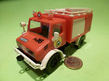 PLASTIC  1:32? -  UNIMOG FEUERWEHR WITH  BOAT   RARE SELTEN -  IN MINT CONDITION