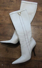 Genuine GUCCI White Leather Knee high Pointed Boots. UK 4. Beautiful Condition!