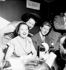 Lucienne BOYER 1952 - Chanteuse Pub St Raphaël - Négatif 6 x 6 - 117