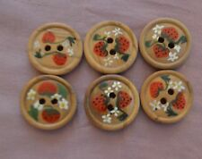 6 BEAUTIFUL VINTAGE BAVARIAN HAND PAINTED WOOD BUTTONS WITH STRAWBERRIES GG59