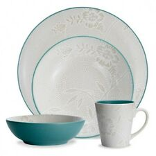 Noritake Colorwave Turquoise Bloom Coupe 32Pc Dinnerware Set, Service for 8