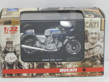Ducati 900 SS 1975 in silber, OVP, New Ray, 1:32