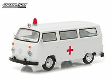 Greenlight 1:64 Club V-Dub 3 1975 VW Type 2 Bus Ambulance with Roof Light Siren
