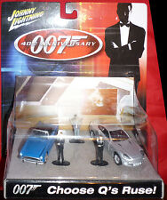 Johnny Lightning JAMES BOND Choose Q's Ruse 2 car and 3 figure set Diorama