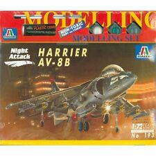 Harrier AV-8B Night Attack - Italeri 193, M 1:72 inkl. Farben, Pinsel, Kleber