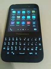BlackBerry Q5 OS 10 - 8GB - Black / Schwarz - without Simlock - Smartphone