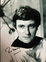 PAUL DARROW - BLAKES 7 ACTOR - EXCELLENT SIGNED B/W PHOTOGRAPH