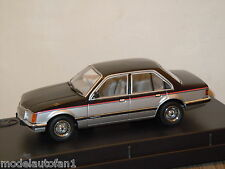 Holden VC Commodore SL/E Sedan van Trax 1:43 in Box *12498