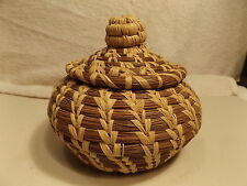 Vintage Native American Indian Basket Hand Woven Pine Needle & Grass Nob on Lid