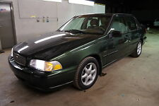 Volvo: S70 Base Sedan 4-Door