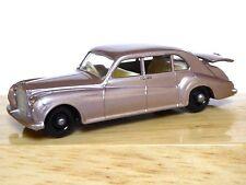 Matchbox Lesney No.44b Rolls-Royce Phantom V (gris plata, agua peptonada tamponada, cerca de MINT!)