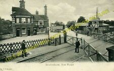 Brockenhurst Railway Station Photo. Southampton to Holmsley and Lymington. (8)