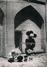 OUZBEKISTAN c. 1950 - Marchand de Coiffures - DIV235
