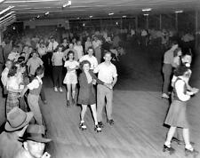 Photo. 1940s. Tennessee.  People at Roller Skating Rink