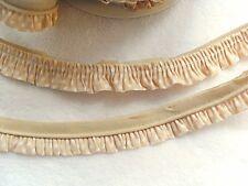 Rüschenband  Volantband mit Paspel beige mit weißen Punkten  25 mm