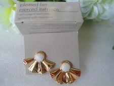US AVON Vintage Pleated Fan Moonstone Retro Metal Pierced Earrings 1987 Jewelry
