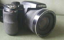 Fujifilm Finepix S4000 14 MP cámara Digital con Fujinon 30x Excelente Estado