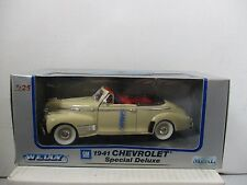 1/25 SCALE WELLY OFF WHITE 1941 CHEVROLET SPECIAL DELUXE