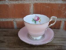 Vintage *** PARAGON *** Fine Bone China Tea Cup & Saucer Set ENGLAND