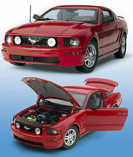 2005 Ford Mustang GT V-8 (RED) B11E258 Diecast 1:24 Hardtop by Franklin Mint