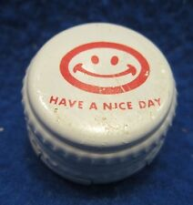 SMILE HAPPY FACE HAVE A NICE DAY TWIST ON & OFF BEVERAGE BOTTLE CAP METAL CROWN