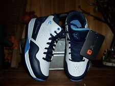 AND1 BOYS ATHLETIC SHOES SIZE 4 SCHOOL BASKETBALL SHOES SPORTS APPAREL CASUAL