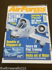 AIRFORCES MONTHLY - REPUBLIC OF SINGAPORE AIRFORCE - MARCH 2004