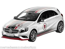 Mercedes Benz W 176 A Clase/a Class Sport Equipment Plata/plata 1:18 Nuevo