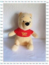 Peluche Winnie L'ourson Assis T-shirt Rouge  Disney