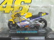 Moto Valentino Rossi scala 1:18_ HONDA NSR 500 World Champion 2001 _(01)