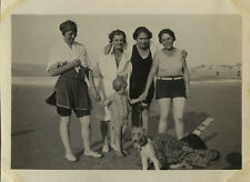 PHOTO ANCIENNE - VINTAGE SNAPSHOT - PARIS PLAGE MER BAIGNEUR MODE CHIEN - BEACH