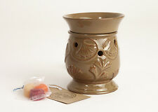 SALE ITEM Owlchemy Electric wax warmer(burner)+light & Winter scented tarts