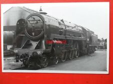 PHOTO  BR RIDDLES BRITANNIA 4-6-2 70027 RISING STAR AT SWINDON WORKS