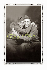 VINTAGE PHOTO AFFECTIONATE MEN SOLDIERS HUG IN STUDIO GAY INTEREST 91