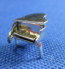VINTAGE STERLING SILVER MOVEABLE BABY GRAND PIANO CHARM