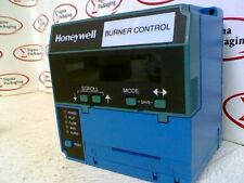 Honeywell RM7890B-1014 Burner Control, Display S7800A1001, Flame Amp: R7861A1026