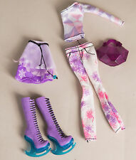 Monster High Abbey Bominable Doll Love Fashion Top Outfit Clothes Ice Skates LOT