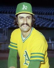 ROLLIE FINGERS Classic Baseball 8X10 PHOTO PICTURE 5490