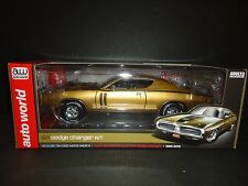 Auto World Dodge Charger R/T 1971 Gold 1/18 Limited Edition
