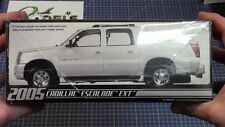 AMT 2005 Cadillac Escalade EXT MODEL KIT new in the box #680