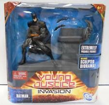 Young Justice Invasion: Batman Action Figure Set (2011) DC New