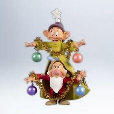 2012 Hallmark A VERY MERRY CHRISTMAS TREE Disney SNOW WHITE DWARFS Grumpy Dopey