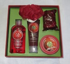 ❤❤ The body shop festive picks strawberry 5 piece gift set box shower gel ❤❤