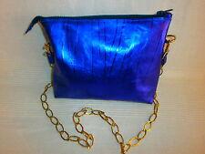 bolso de piel violeta