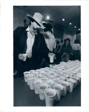 1990 Free Cups of Budweiser Beer Austin City Limits TV Show Press Photo