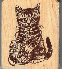 Inkadinkado Rubber Stamp 9869-M  Galerie Vernissage Cat with yarn,  S12