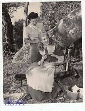 Linda Darnell has hair done VINTAGE Photo
