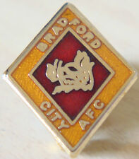 BRADFORD CITY Vintage Club crest type badge Brooch pin In gilt 17mm x 21mm
