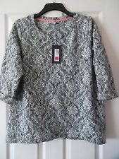 Marks & Spencer Grey & White Lace Effect Top Size 18 BNWT