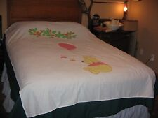 "VINTAGE WINNIE THE POOH WHITE BEDSPREAD-TWIN/FULL-BALLOON-HONEY BEES-62"" X 86"""
